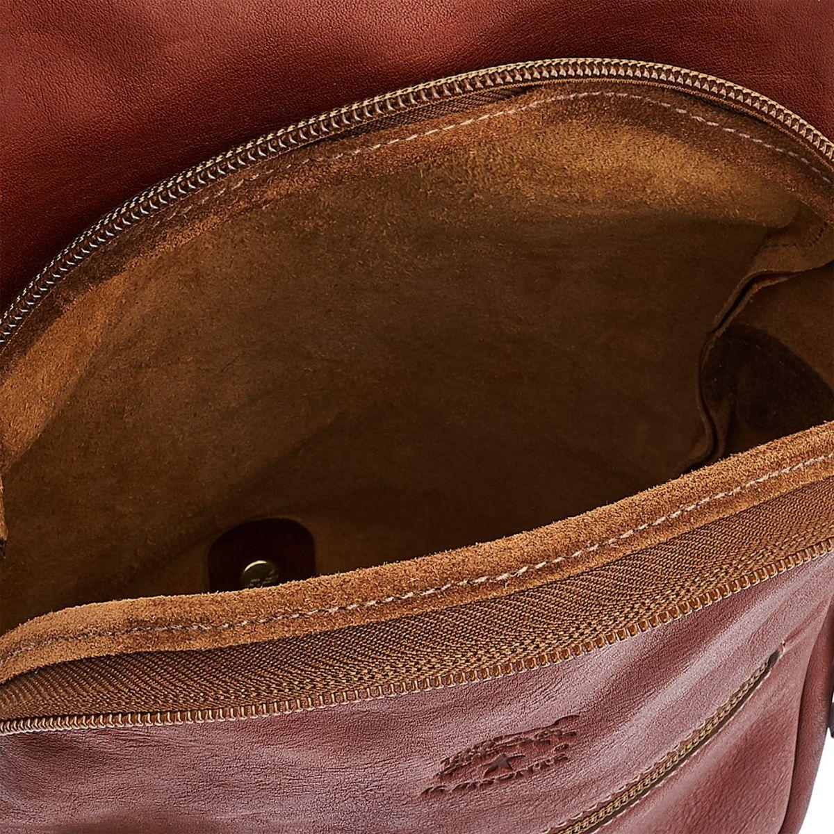 Sac A Dos pour Homme en Cuir De Vachette Vintage BBA005 couleur Brun Foncé Seppia | Details