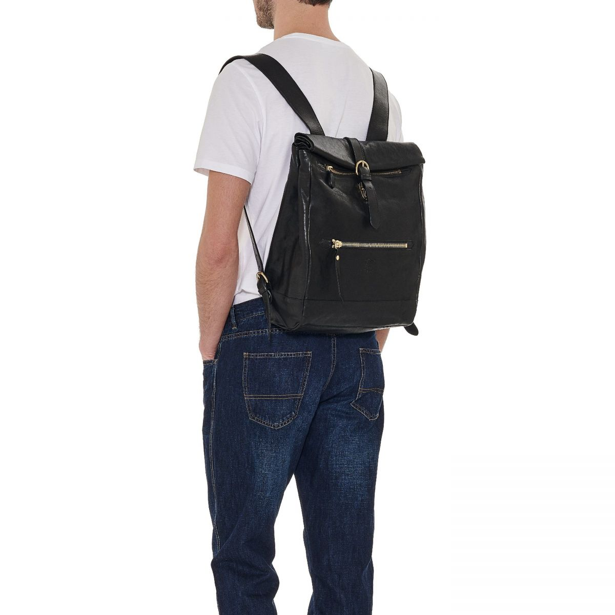 Men's Backpack Capalbio in Vintage Cowhide Leather BBA028 color Black | Details