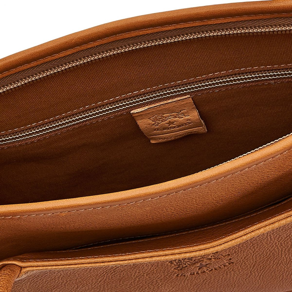 Briefcase in Vintage Cowhide Leather BBC017 color Natural | Details