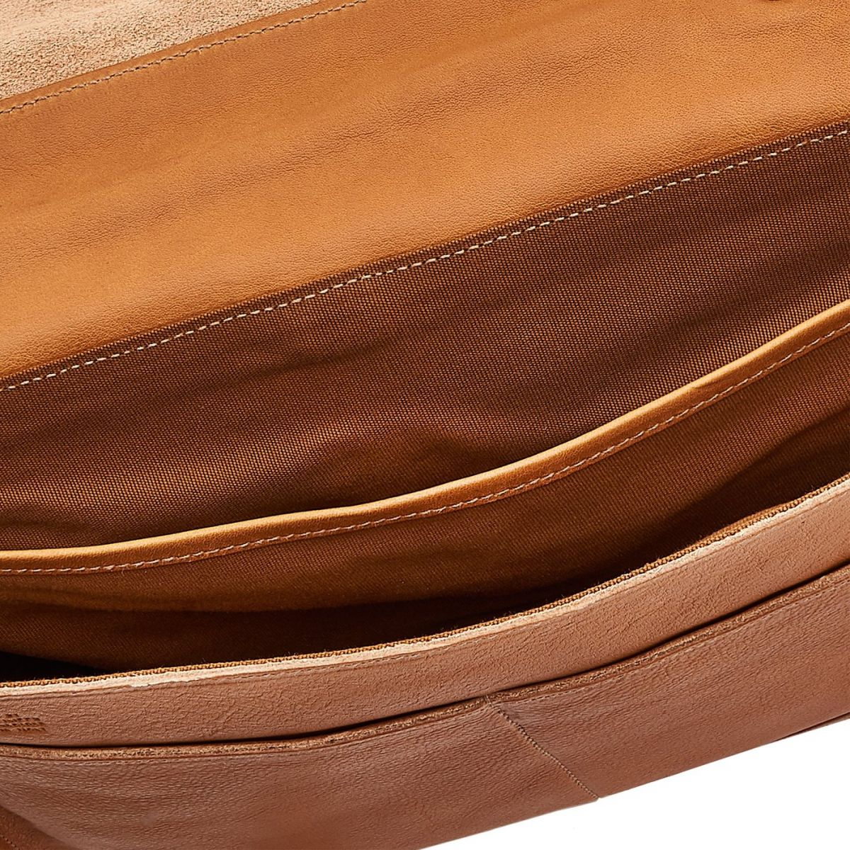 Briefcase in Vintage Cowhide Leather BBC025 color Natural | Details
